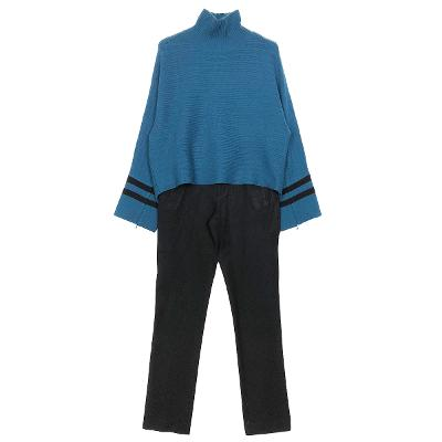 wide sleeve turtle knit & chic straight pants